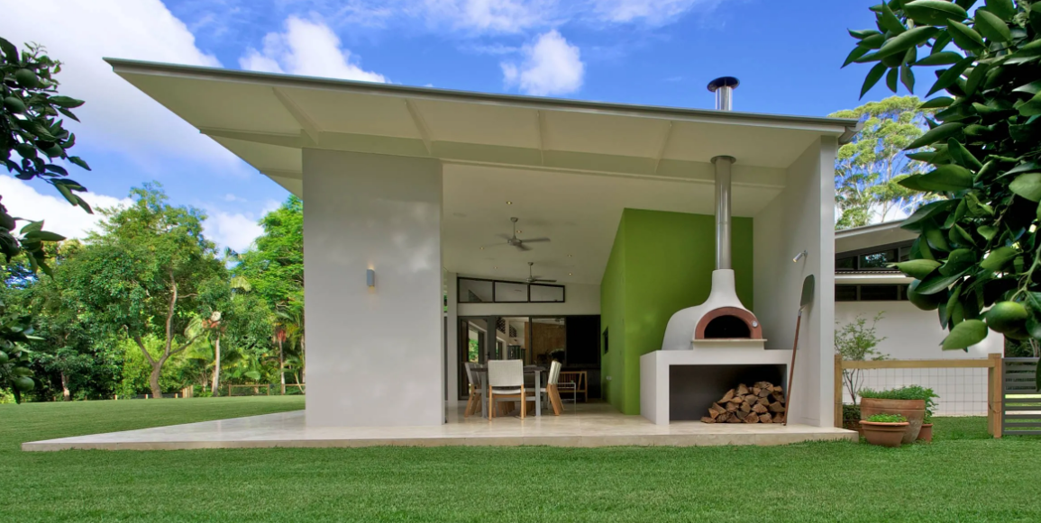 pizza oven in your backyard